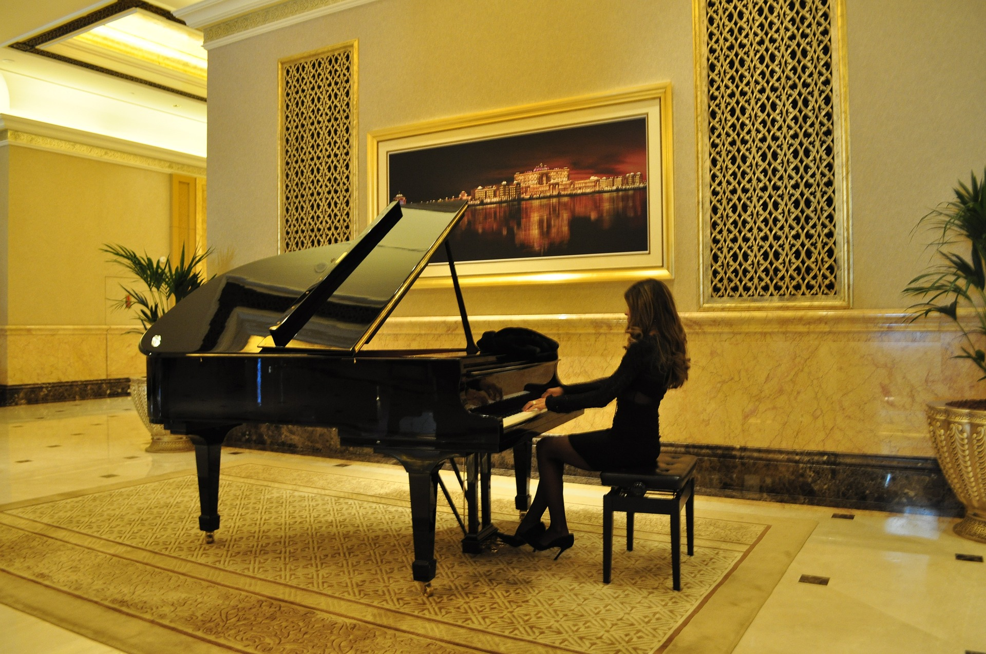 emirates-palace-hotel-1118957_1920