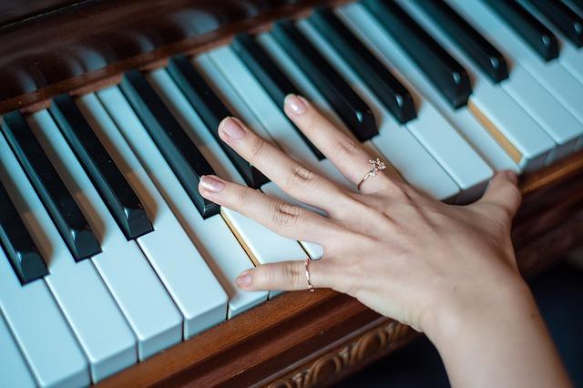 piano-1531788_640-2