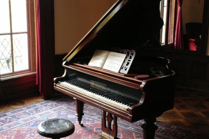 piano-601386_1920-420x280