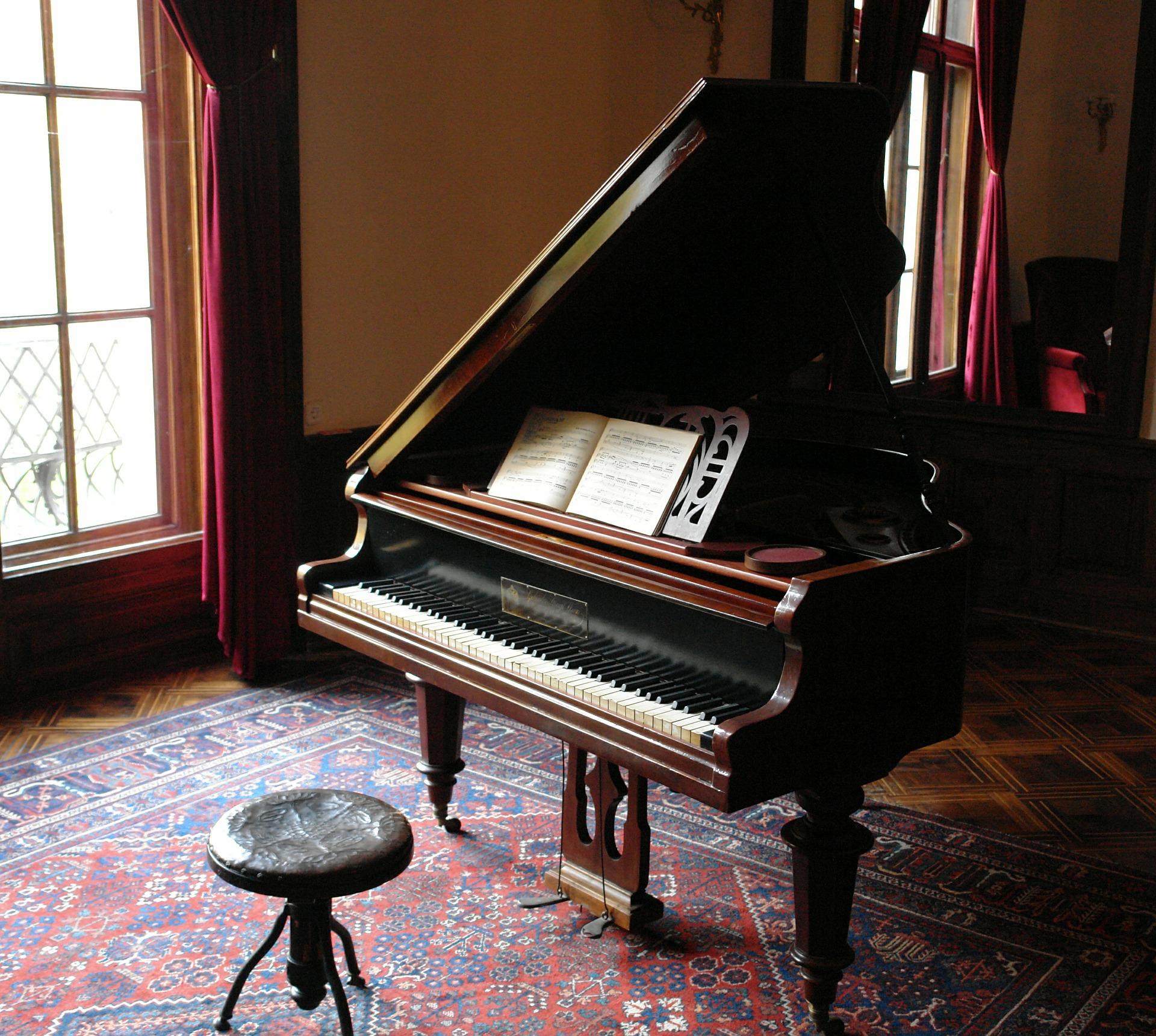 piano-601386_1920