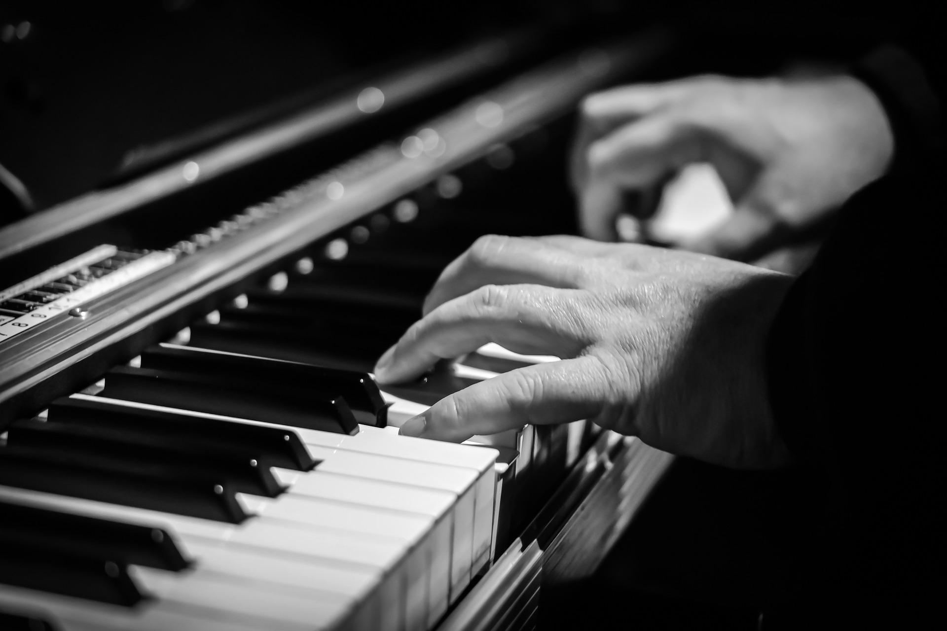 ジャズ ピアノ